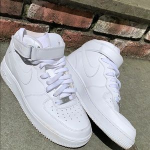 Nike Air Force 1's lightly worn